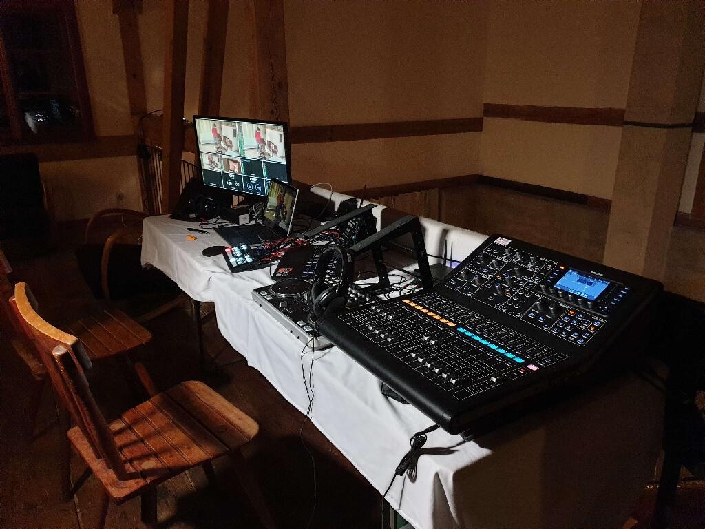 Dual Films Livestreaming (4)
